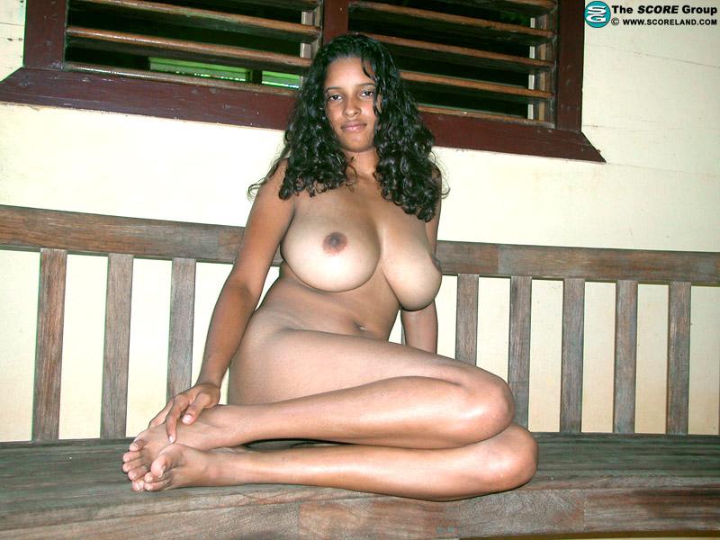 Thalia Scoreland Busty 23